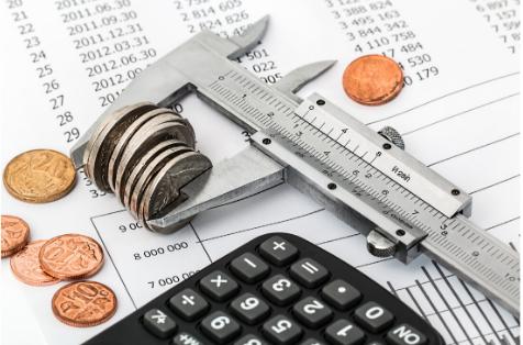 Zapisywanie wydatków i ich liczenie